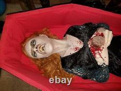 Large awesome lifesize rare halloween prop vintage convulsing shaking vampiress