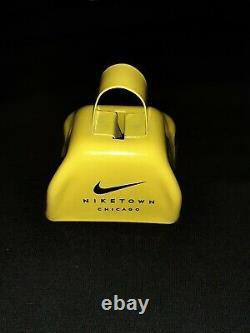 Nike Niketown Chicago Promo Running Marathon Shoes Bell Vintage Live Strong Rare