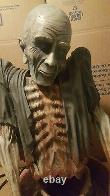 RARE vintage large vampire fountain Animated Prop Halloween Spencers