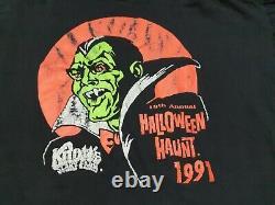 Rare Dracula Elvira vampire horror movie t shirt Halloween Knotts Scary Farm L