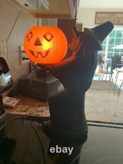 Rare Vintage Halloween Blow Mold Witch Holding Pumpkin Working