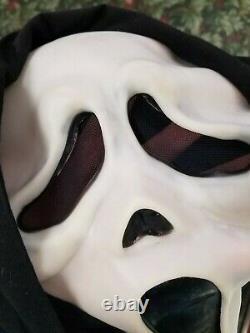 VTG SCREAM GhostFace Latex Mask Fun World Div Rare Glow Faces Cotton Shroud MINT