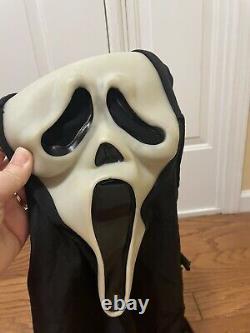 Vintage SCREAM Ghost Face Mask Fun World Div RARE Glow Fantastic Faces 90s