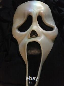 Vtg Rare Scream Ghost Mask Cotton Easter Unlimited Fun World Div. & A Free Robe