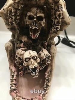 Rare! Fontaine De Crâne De Cru Avec Le Sang De Ruisselant Et Le Globe Oculaire Rotatif Halloween