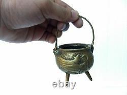 Vieille Antique Rare Laiton Flying Witch Pot Halloween Vacances Saisonnier
