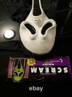 Vintage Tagged Scream Ghostface Mask Mk Stamp Glows Fun World Squinty Eyes Rare